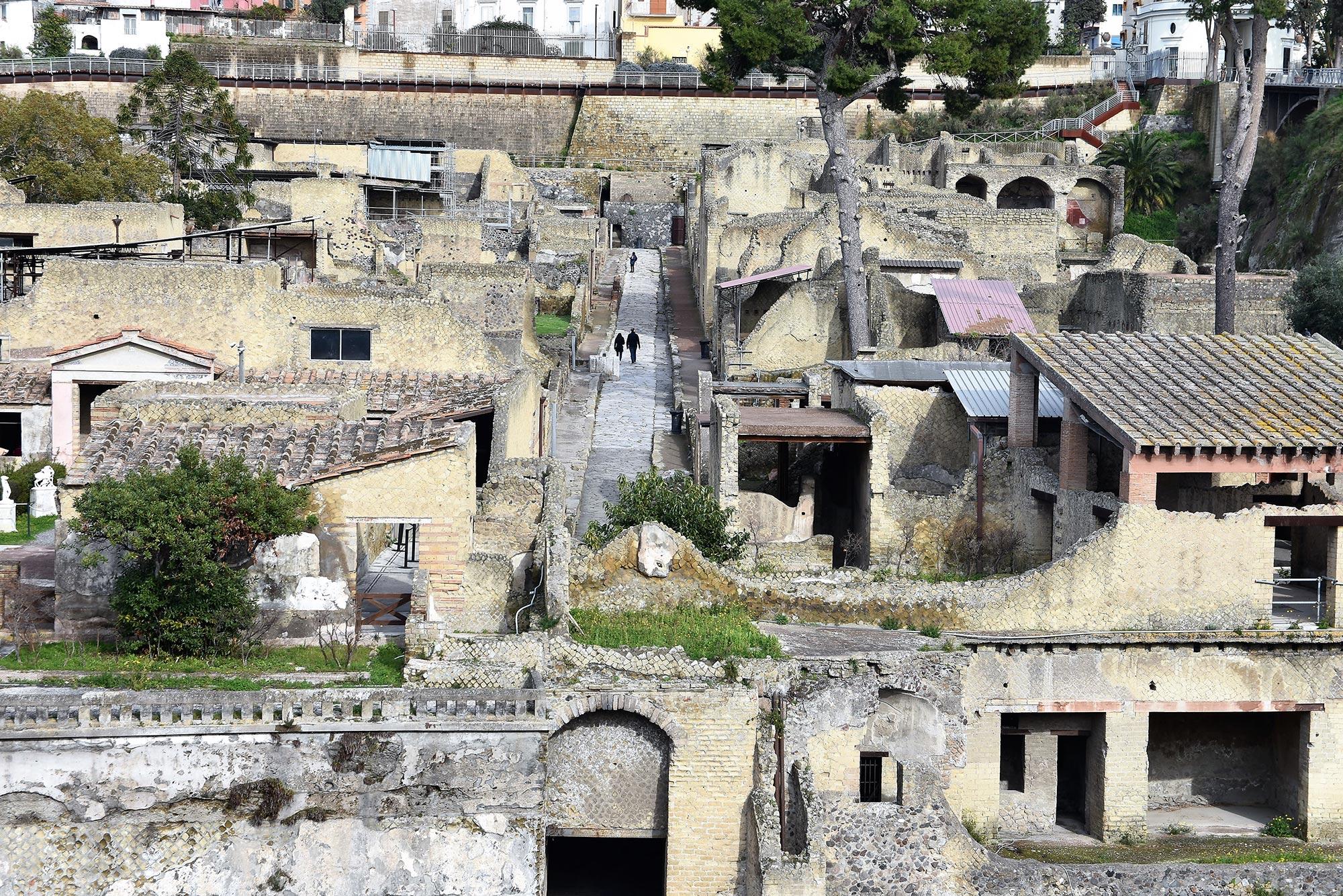 Παρελθόν και μέλλον στην «υπόγεια» Νάπολη